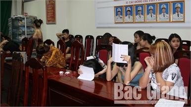 Bắc Giang: Phát hiện hàng chục thanh niên sử dụng ma túy, bóng cười tại quán karaoke