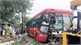 Bình Dương: Giải cứu gần 40 hành khách bị kẹt trong xe khách gặp nạn