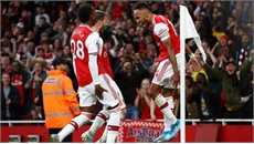 Chơi thiếu người, Arsenal vẫn ngược dòng ấn tượng trước Aston Villa