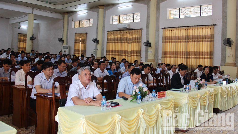 Các đại biểu và học viên tham dự lớp học.
