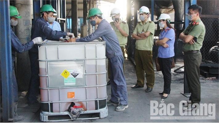 Tiêu hủy xăng, gas kém chất lượng, không rõ nguồn gốc, nhái nhãn mác