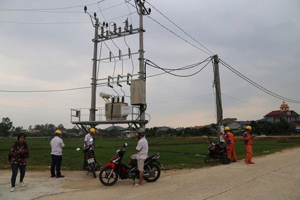 tiếng nổ lớn, hàng trăm thiết bị điện, Hà Tĩnh, bị chập cháy, khu vực chợ Đồng Lộc, Điện lực Can Lộc