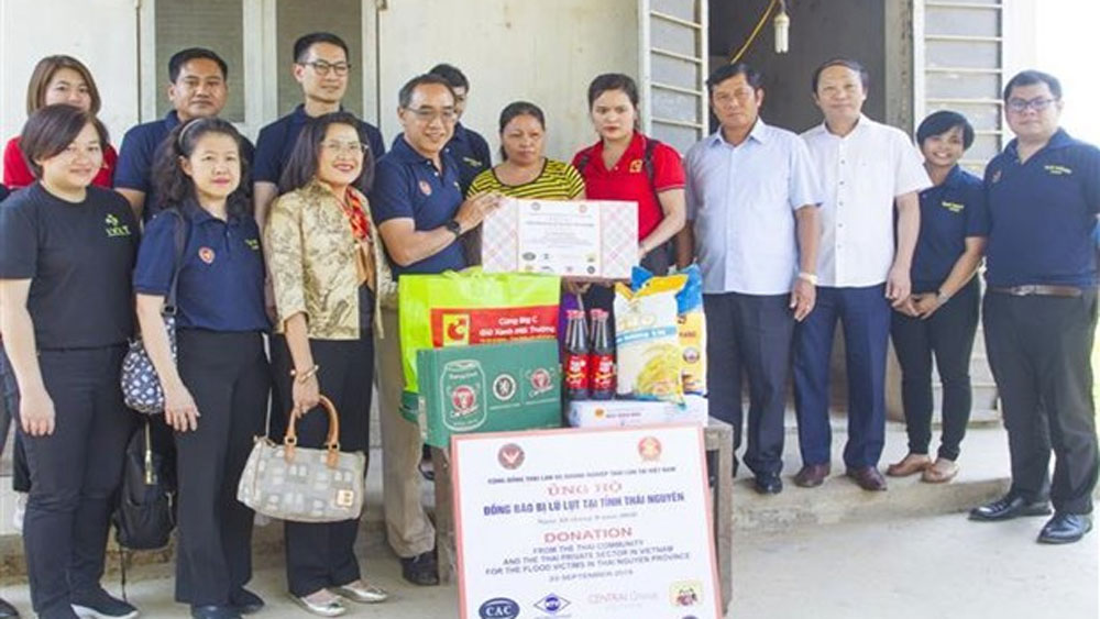 Thai Embassy, flood victims, Thai Nguyen province, food and medicine, heavy downpours