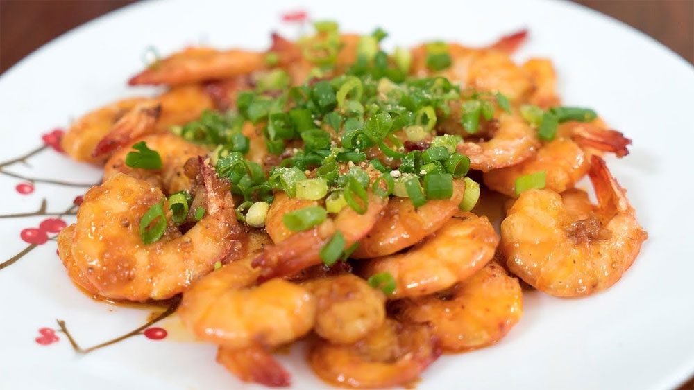 Tom kho, Vietnamese simmered prawn, nutritional food, extra ingredients,  steamed rice, nuoc mam, mortar and pestle