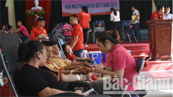 Tân Yên: Gần 1 nghìn tình nguyện viên tham gia ngày hội hiến máu
