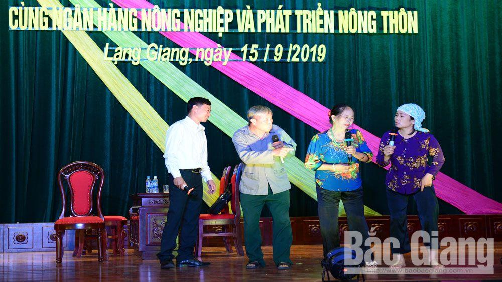 Đội thi xã Tiên Lục (Lạng Giang) trong phần thi tiểu phẩm tại vòng thi cấp huyện.