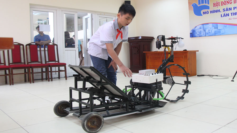 Two models, Bac Giang province, national invention contest, youth and teenager,  Rice planting machine, Creating concrete