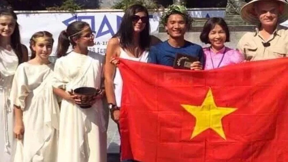 First Vietnamese runner, 246 km ultramarathon race, Tran Duy Quang, 40th position, international community