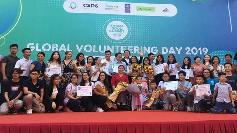 Volunteering day calls for youth's actions against climate change