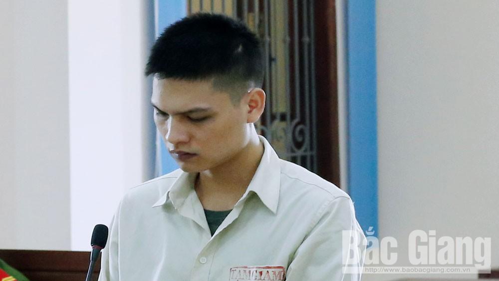 Bị cáo Trần Đức Tuấn tại phiên tòa xét xử.