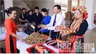 Trưng bày nhiều sản vật vùng miền nhân Đại hội các dân tộc thiểu số tỉnh Bắc Giang lần thứ III