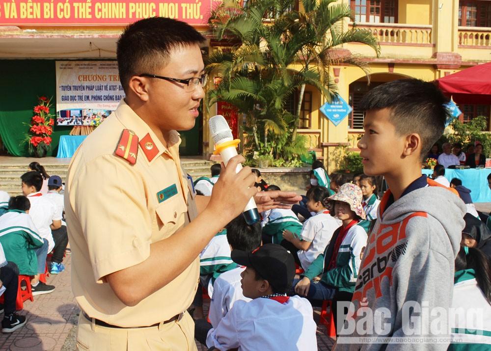Bắc Giang, báo cáo viên, tuyên truyền viên, pháp luật, tuyên truyền, pháp luật, cộng đồng, cầu nối