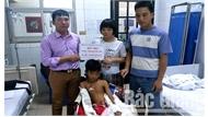 Ngành giáo dục huyện Sơn Động quyên góp được hơn 200 triệu đồng ủng hộ em Hoàng Văn Văn