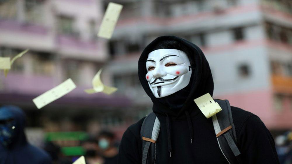 Hong Kong, sử dụng luật khẩn cấp, cấm người biểu tình, đeo khẩu trang