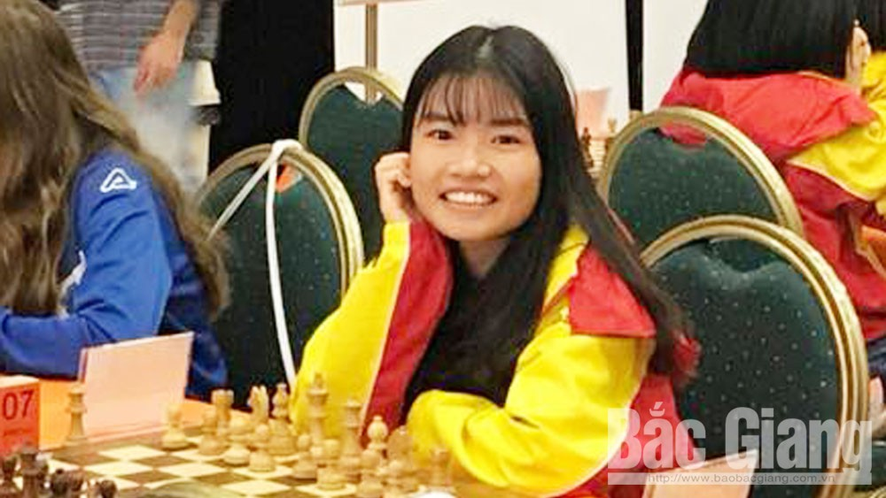 Young talented chess player Luong Hoang Tu Linh