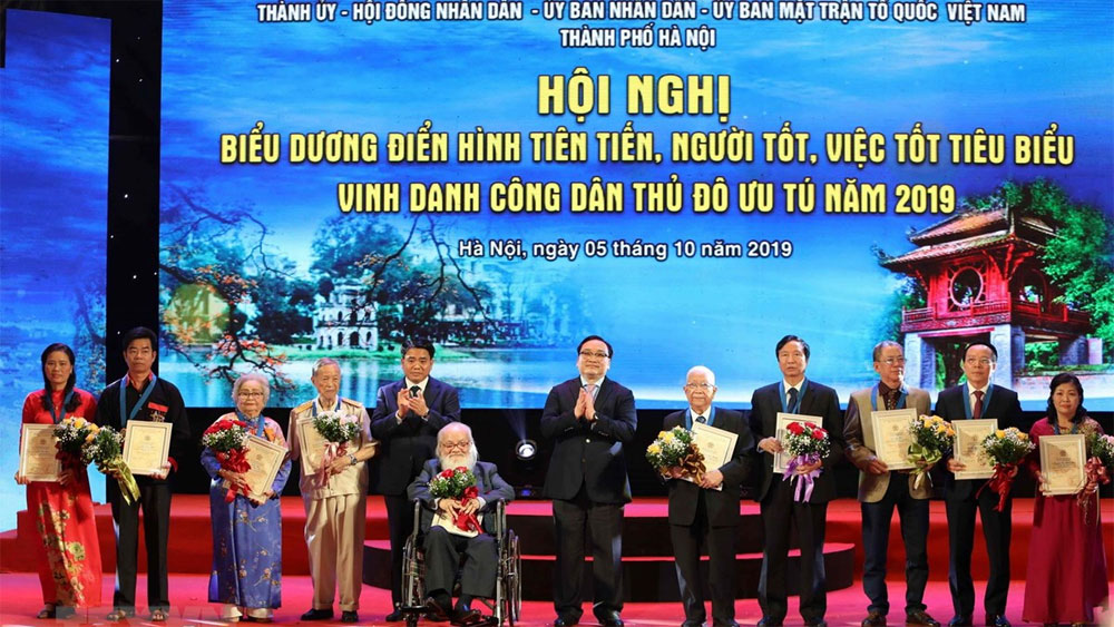 Hanoi, 10 outstanding citizens,  annual conference,  65th anniversary, liberation of capital city, important contributions