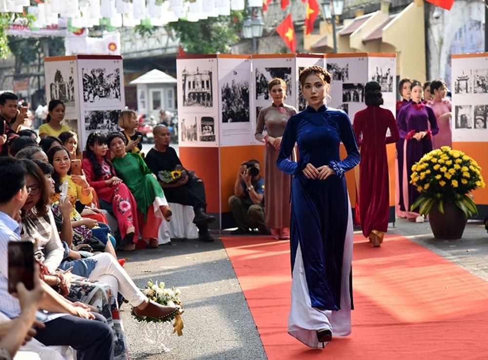 Various activities, 65 years, Capital Liberation Day, cultural and artistic activities, Autumn Memories, spectacular performances