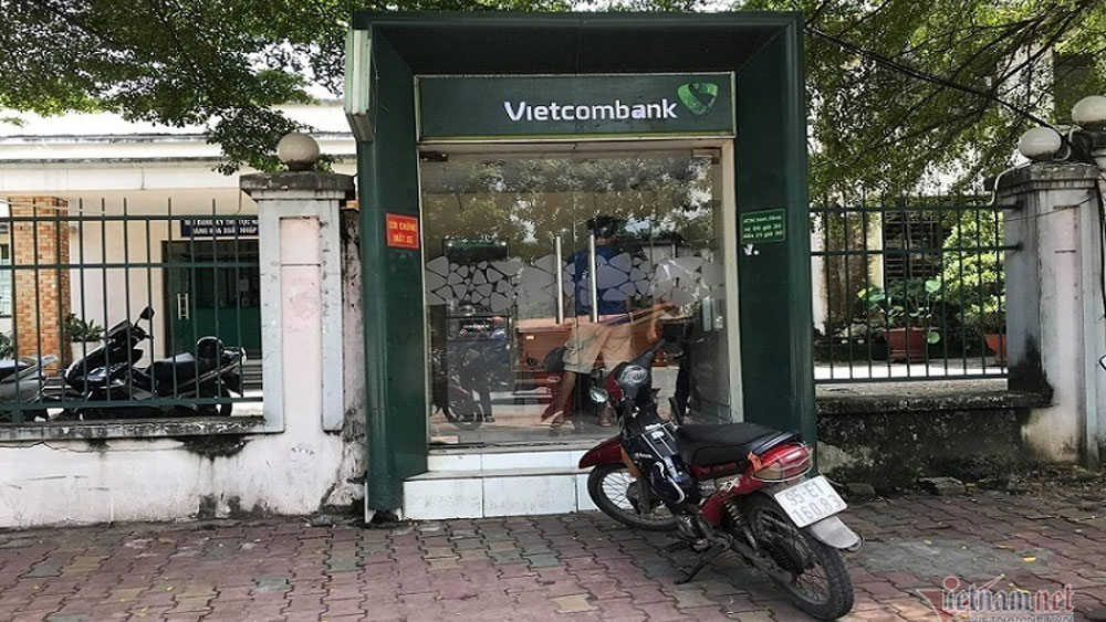 Cô gái, rút tiền, cây ATM, thanh niên, táo tợn, kề dao uy hiếp cướp, Ngọ Văn Cường