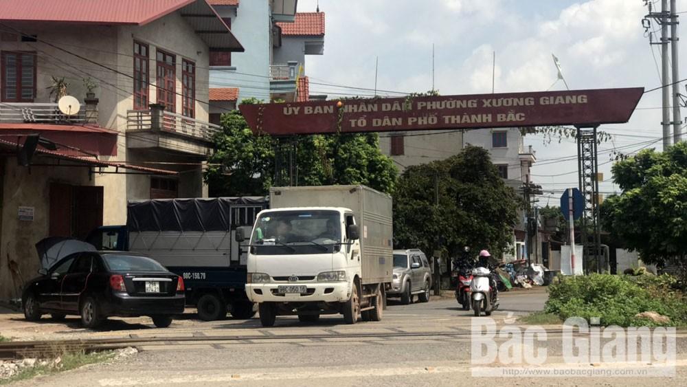 Bắc Giang: Đẩy xe rác gần đường sắt, một người tử vong tại chỗ