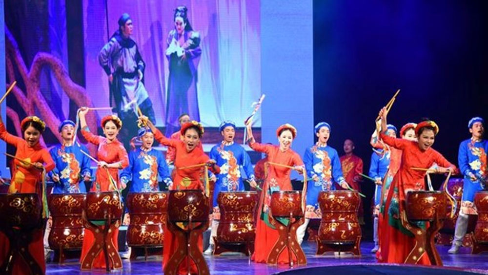 Int'l experimental theatre festival, full swing, Hanoi, foreign and domestic troupes, 10-day show, opening ceremony
