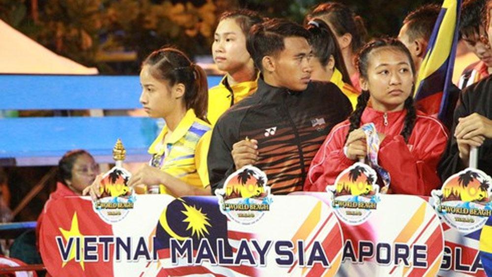 Martial artists, seven golds, World Beach Pencak Silat Championship, Vietnamese team, greater opportunities