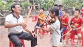 Hỗ trợ Câu lạc bộ Violon làng Then (Bắc Giang) mua đạo cụ biểu diễn