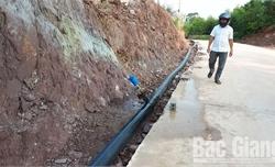 Công ty DNP có được thu tiền lắp đặt thiết bị cấp nước sạch?