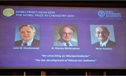 Nobel Hóa học 2019 tôn vinh ba nhà khoa học với công trình về pin