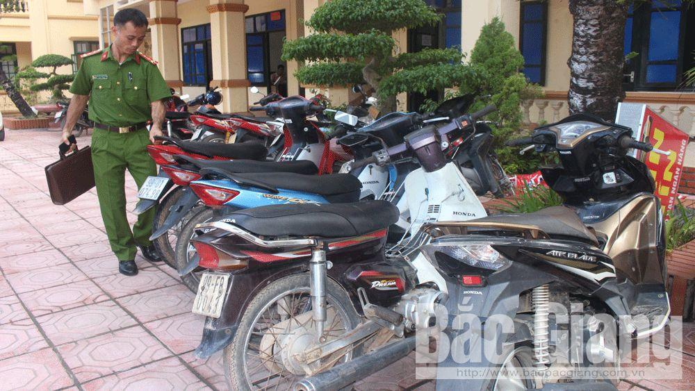 trộm cắp tài sản; xe máy; Việt Yên