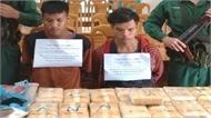 """Hai thanh niên Lào """"xách tay"""" 100.000 viên ma túy vào Việt Nam"""