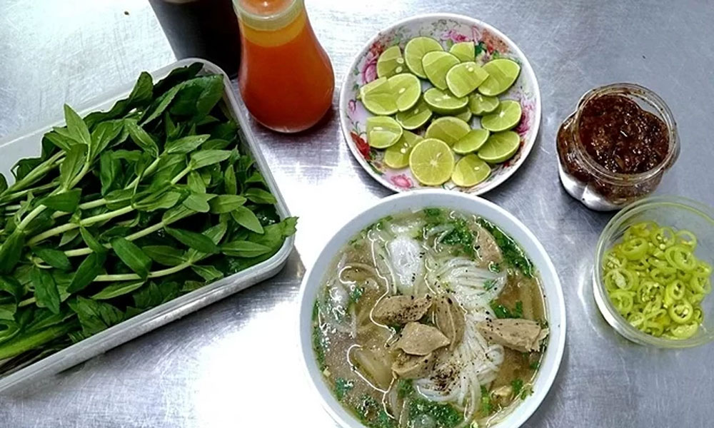CNN, Vietnam cuisine, pho, fresh rolls, world's best dishes, favorite cuisines,  street foods