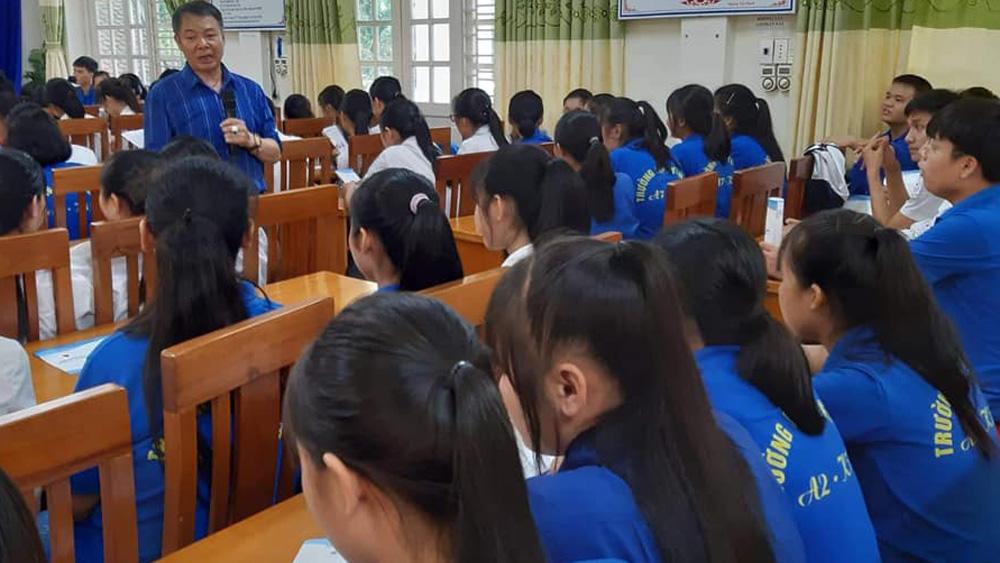 Truyền thông phòng tránh HIV/AIDS cho học sinh