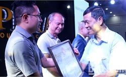 Trao Kỷ niệm chương, Bằng khen của T.Ư Hội Khuyến học Việt Nam cho các doanh nghiệp tiêu biểu