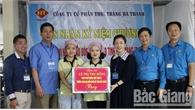 Đồng chí Lê Thị Thu Hồng thăm, chúc mừng doanh nghiệp