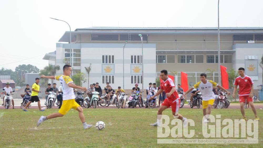 Lần đầu tiên huyện Yên Dũng tổ chức giải bóng đá thanh niên tranh cúp Phát thanh-Truyền hình