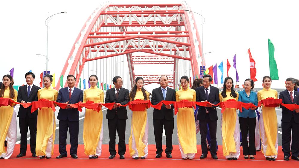 Thủ tướng Nguyễn Xuân Phúc, Hải Phòng, cầu Hoàng Văn Thụ, thành phố cảng, đô thị Bắc sông Cấm