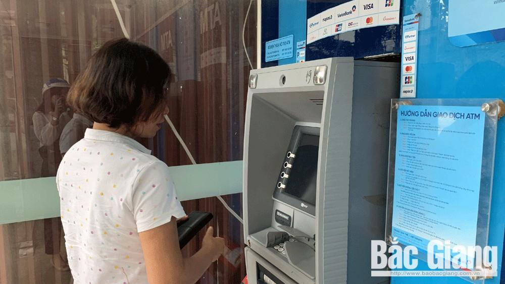 Nhiều cây ATM của Vietinbank Chi nhánh Bắc Giang không rút được tiền