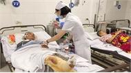 Vụ xe tải đấu đầu xe khách ở Nghệ An: Chuyển ba nạn nhân nặng ra Bệnh viện Việt Đức