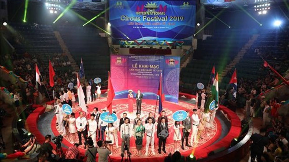 Int'l circus festival, Hanoi, foreign teams, magic shows, Vietnam Circus,  cultural event