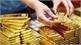 Giá vàng hôm nay (17-10): Nhiều tín hiệu tiêu cực, vàng trở lại đà tăng