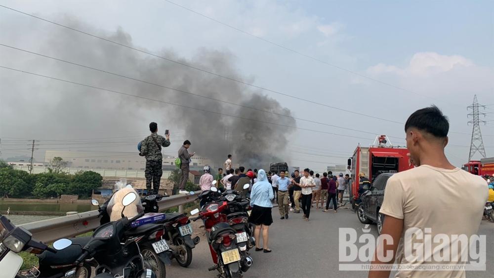 Cháy xe khách, giao thông