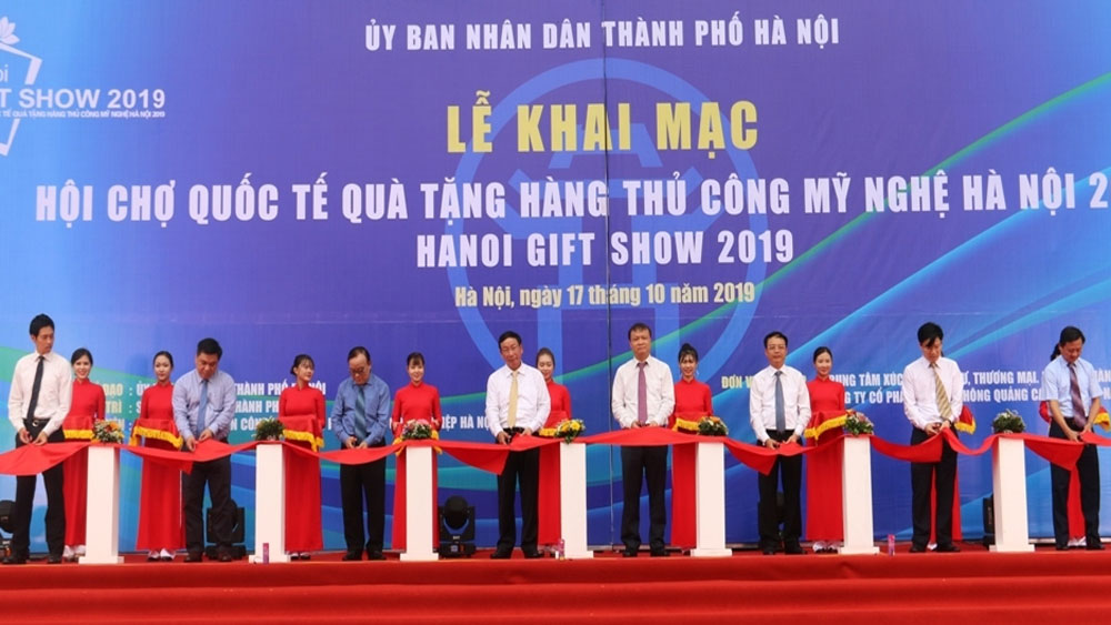 Hanoi Gift Show 2019 features 650 pavilions