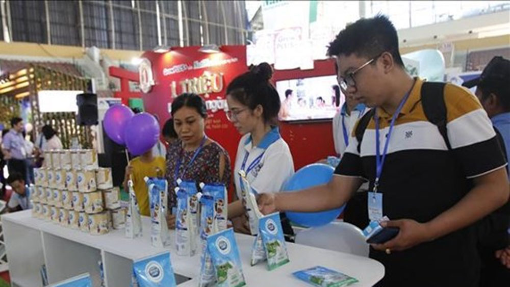 Vietnamese dairy products, China, Chinese market, Vietnamese milk, registration procedures,  dairy export revenue
