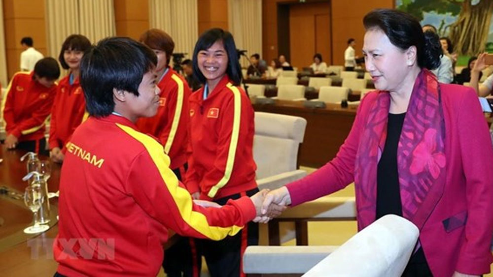 NA Chairwoman, national female footballers, 89th anniversary, Vietnamese Women's Day, specific and proper strategies