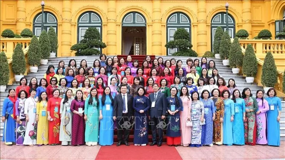 Vice President, Dang Thi Ngoc Thinh, female managers and scientists, educational sector, teaching methods, outstanding achievements