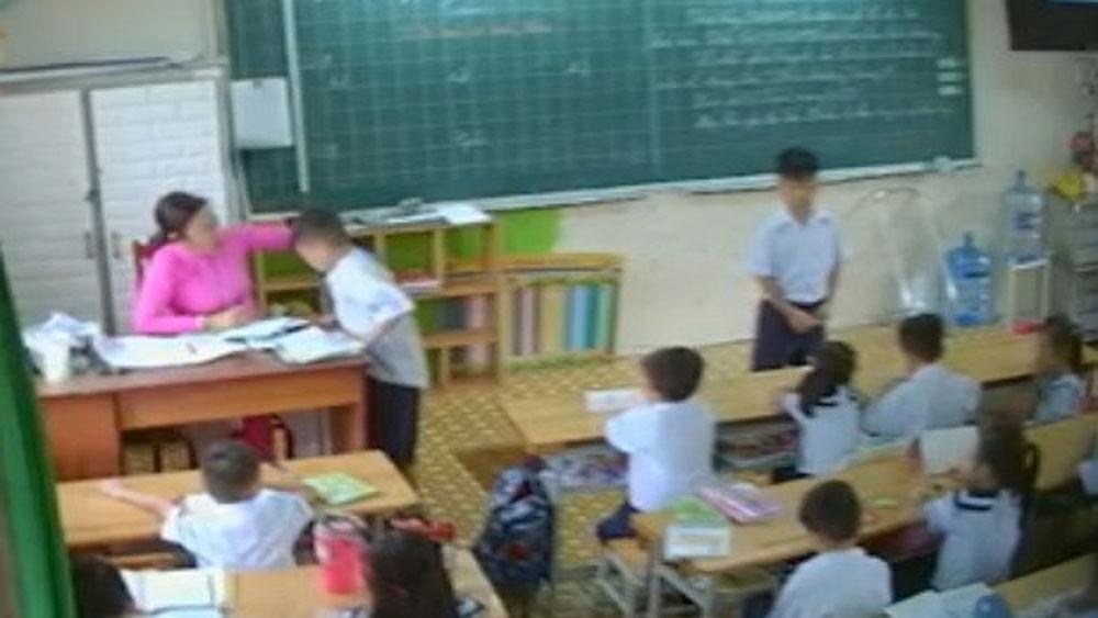 Cô giáo, đánh, tát tai học sinh, bị buộc thôi việc, Trường Tiểu học Phan Châu Trinh