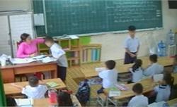 Cô giáo đánh, tát tai học sinh bị buộc thôi việc