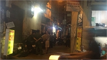 Hà Nội: Hai bố con thau rửa bể ngầm, người con trai tử vong