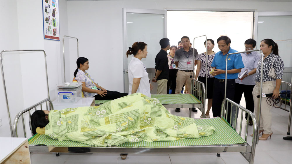 Nam Định, Công nhân Công ty Golden Victory Việt Nam, bị ngộ độc