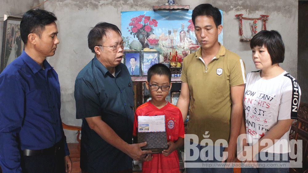 Hoàng Văn Văn; Sơn Động; quyên góp, bác chém cháu họ, Bệnh viện Việt Đức